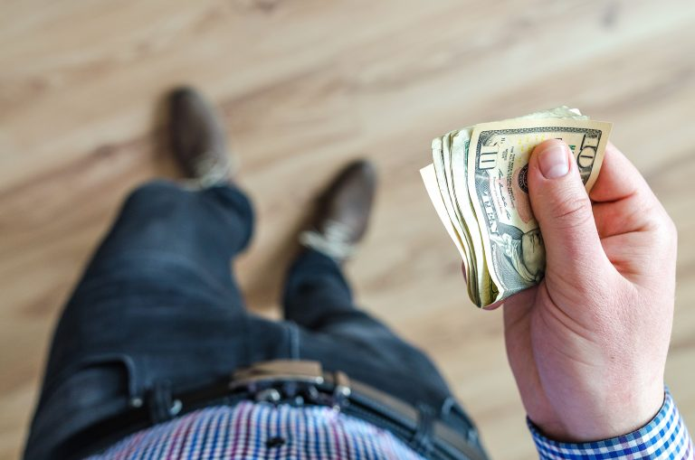 Jak pozyskać korzystny kredyt?