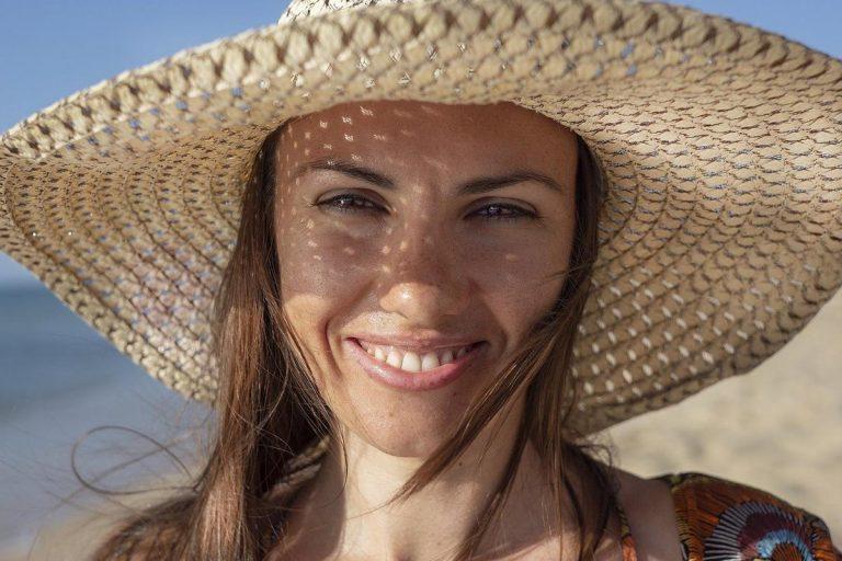 Osoby dorosłe coraz częściej decydują się na aparat ortodontyczny